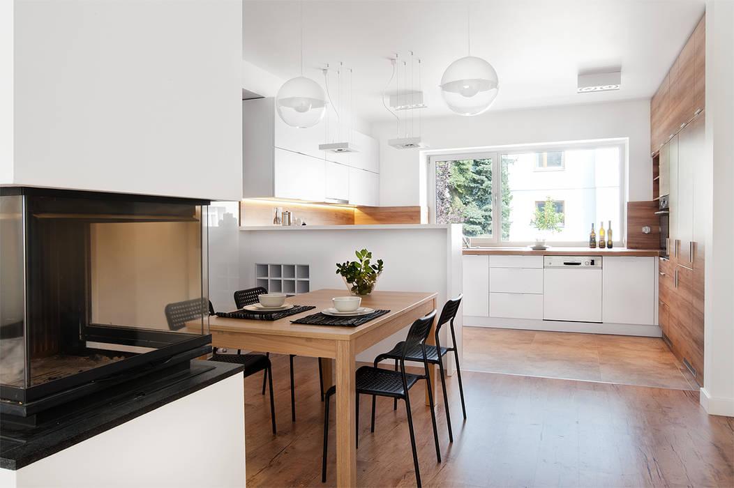 PL+sp. z o.o. Modern Dining Room