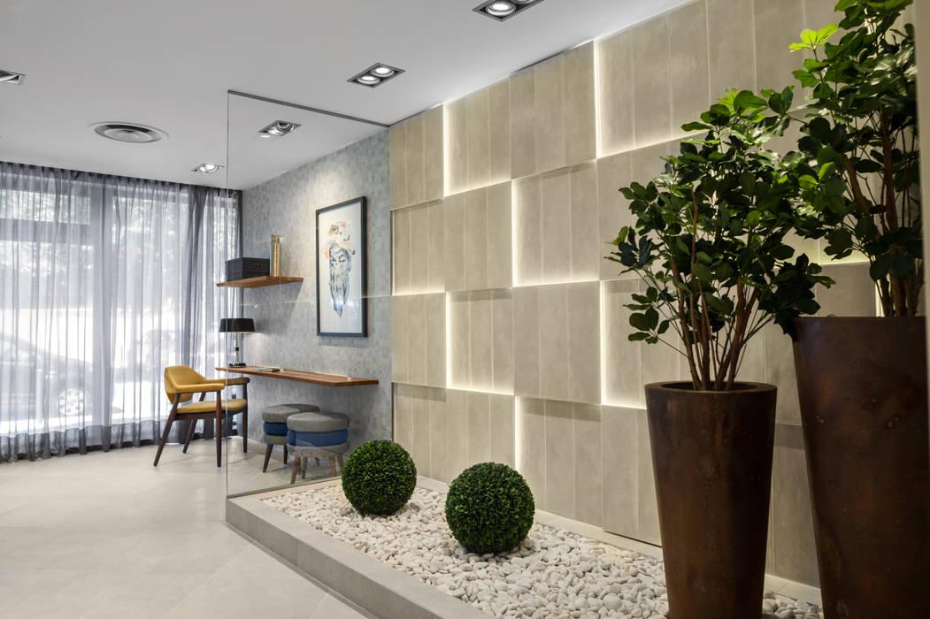 Messe Design von Rita Glória interior design, Modern