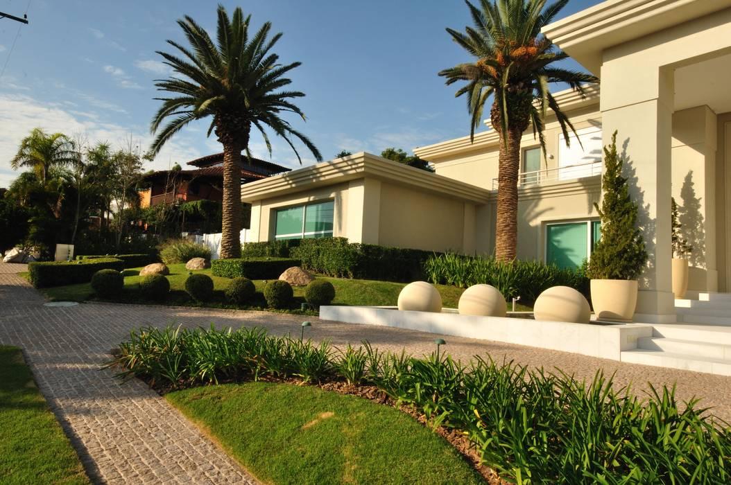 Jardines de estilo tropical de alexandre galhego paisagismo Tropical