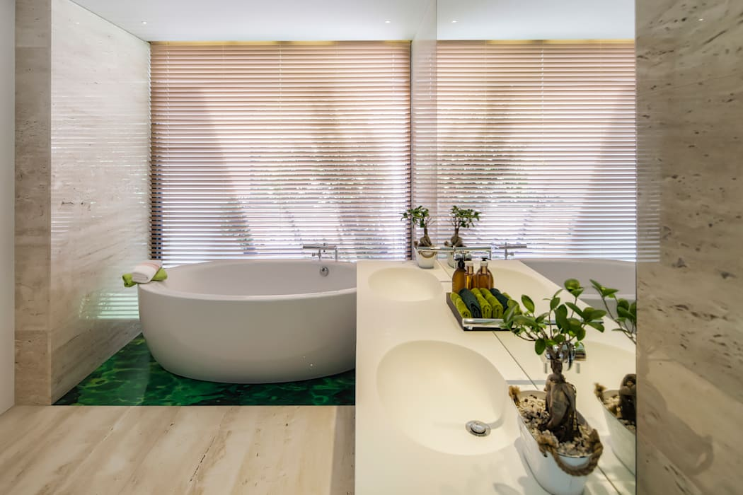 Main Bedroom Modern bathroom by INAIN Interior Design Modern