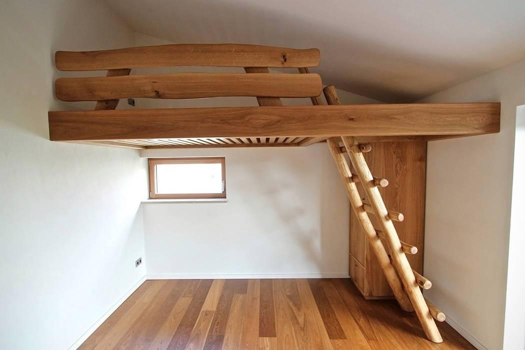 Etagenbett Leiter : Hochbett und einbauschrank aus massivholz mit uriger leiter