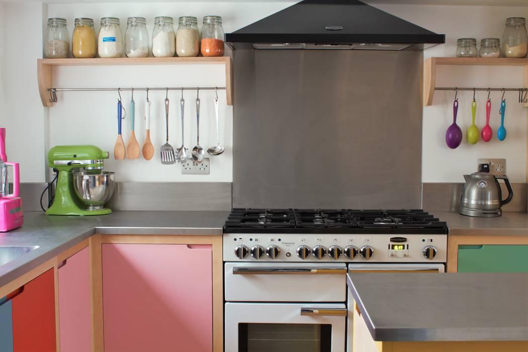 Colour by Numbers Ausgefallene Küchen von homify Ausgefallen Holz Holznachbildung