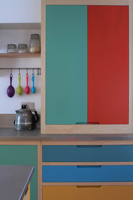 Colour by Numbers homify Kitchen Wood Multicolored