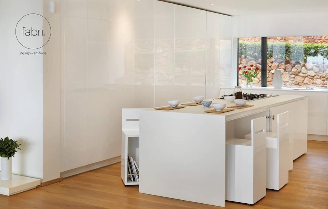 Minimalist kitchen by FABRI Minimalist