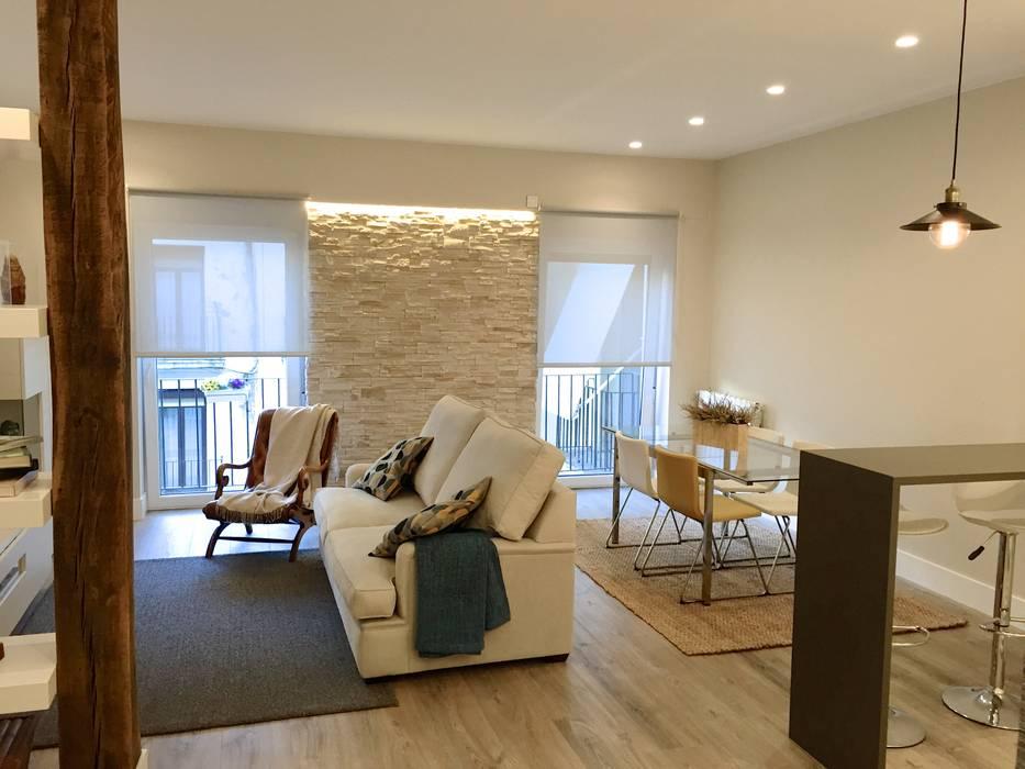 Moderne Wohnzimmer von EKIDAZU Modern
