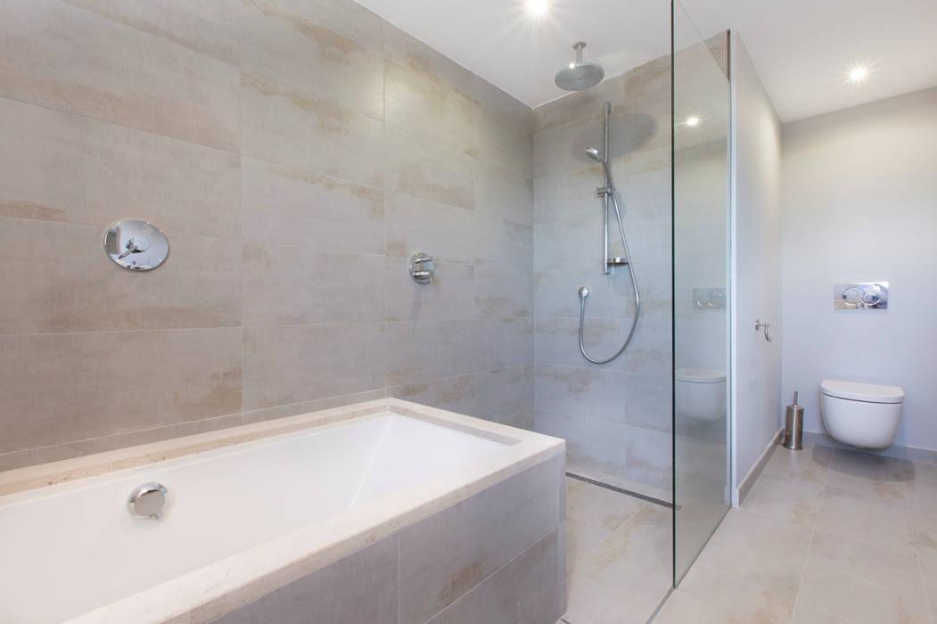 Villa CP Campos: Baños de estilo  de ISLABAU constructora, Rústico