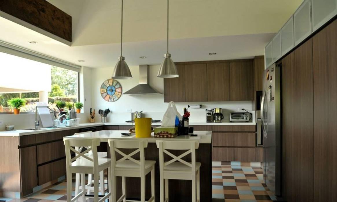 廚房 by WVARQUITECTOS, 古典風
