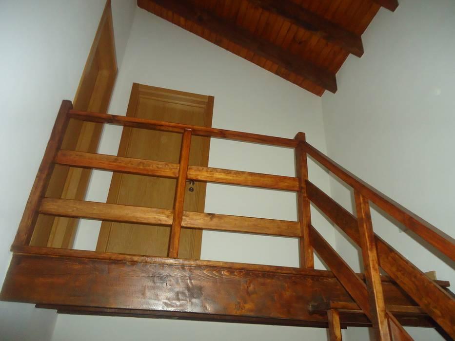 escada rústica: Terraços  por Atádega Sociedade de Construções, Lda
