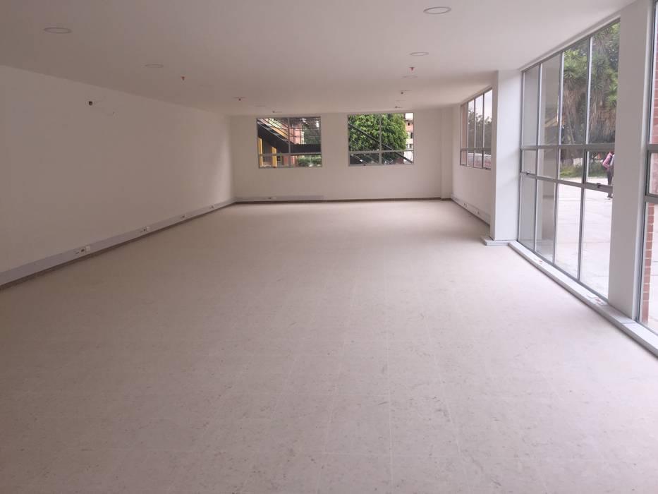 Felipe Lara & Cía Modern office buildings Synthetic White