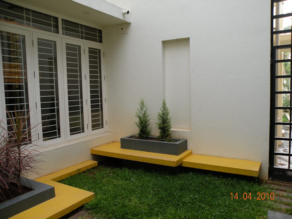 Taman oleh ICON design studio, Modern