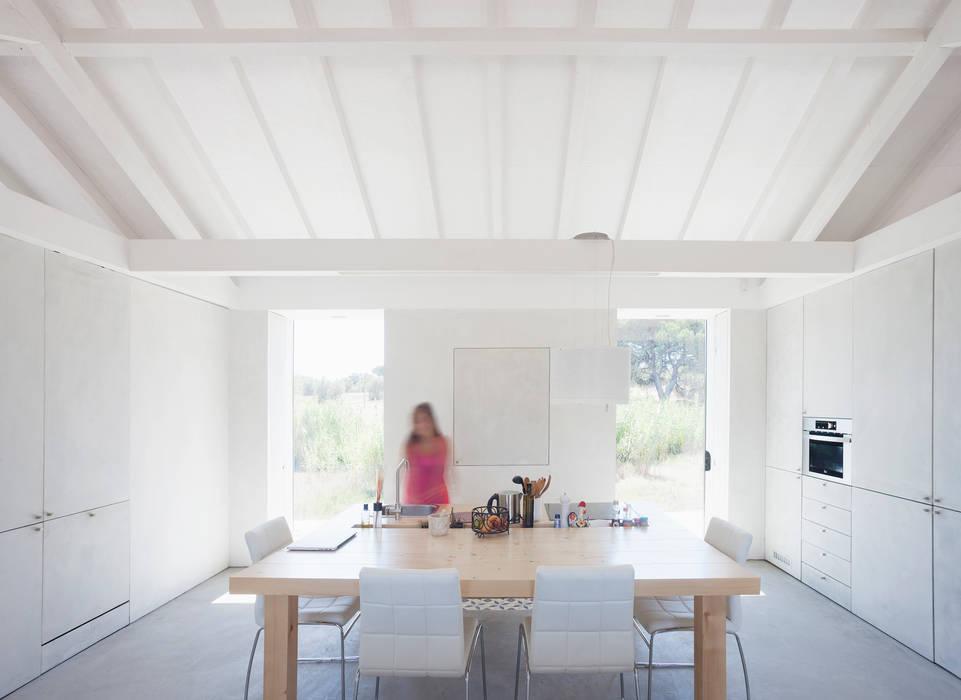 Sítio da Lezíria Salas de jantar modernas por Atelier Data Lda Moderno