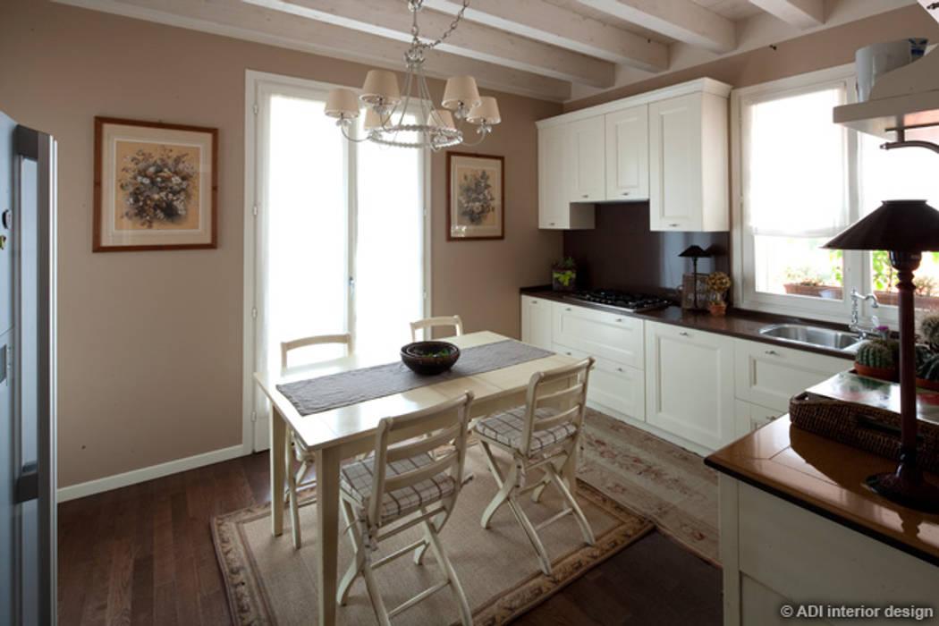 Restyling con soppalco: cucina in stile di adi arredamenti | homify