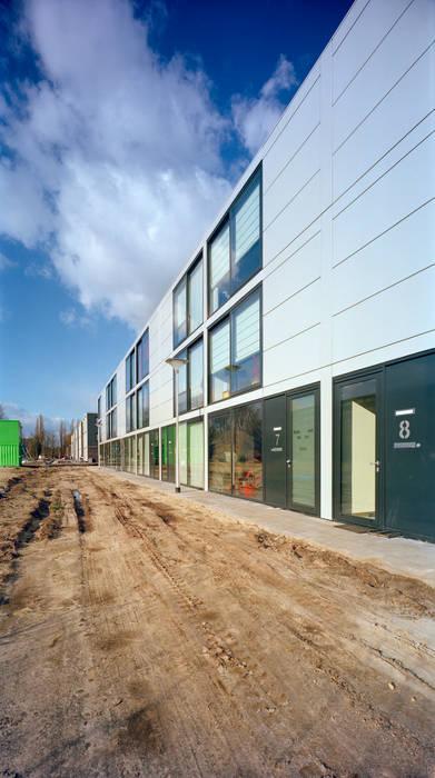 woningen Quirijnboulevard Tilburg:  Huizen door JMW architecten