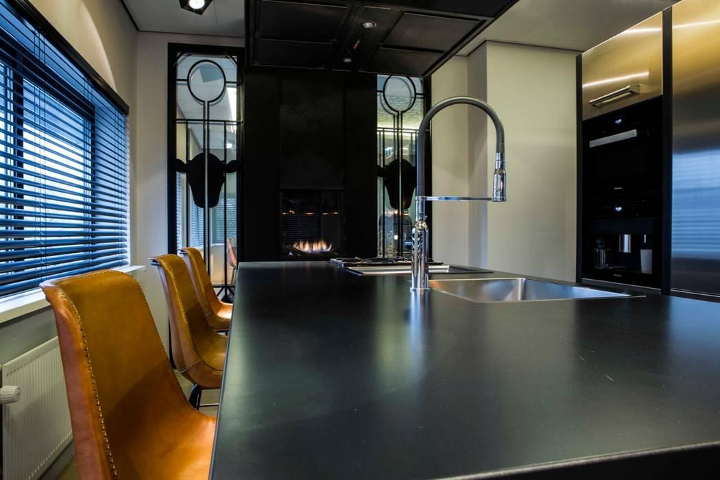 Dapur oleh SMEELE Ontwerpt & Realiseert, Mediteran