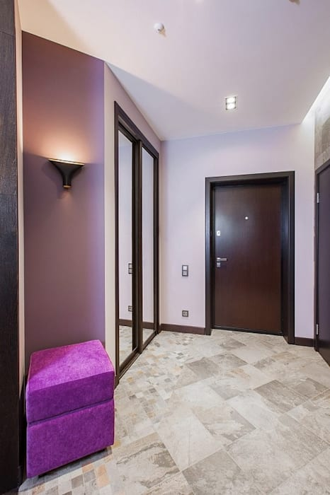Сompound interior Alena Gorskaya Design Studio Коридор, прихожая и лестница в стиле минимализм Фиолетовый / Лиловый