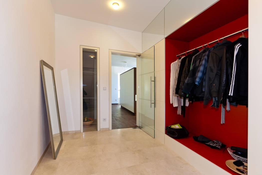 Modern corridor, hallway & stairs by Atelier Fürtner-Tonn Modern