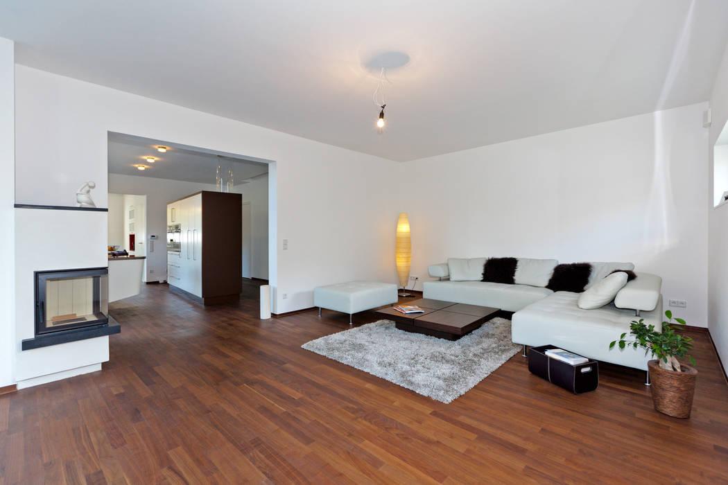wohnhaus hietzing Moderne Wohnzimmer von Atelier Fürtner-Tonn Modern