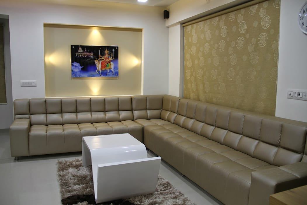 3BHK - Interior 9th Floor Flat @Bharuch Modern living room by SkyGreen Interior Modern