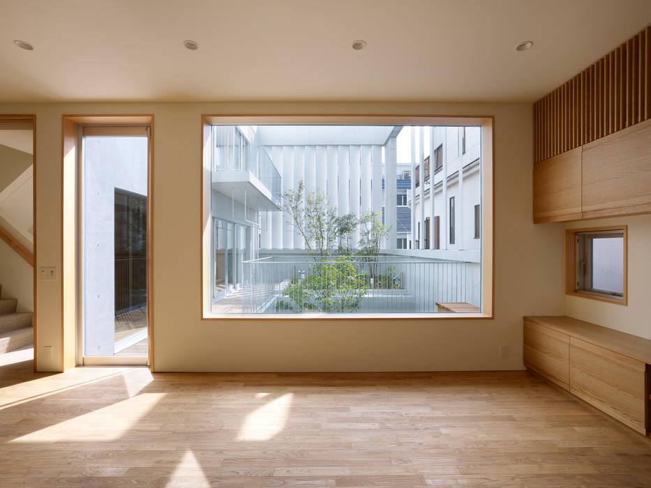 Jendela oleh 小松設計, Modern