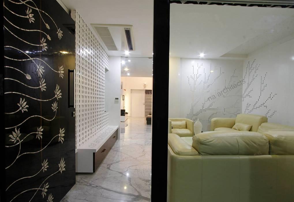 Pasillos, vestíbulos y escaleras modernos de NA ARCHITECTS Moderno