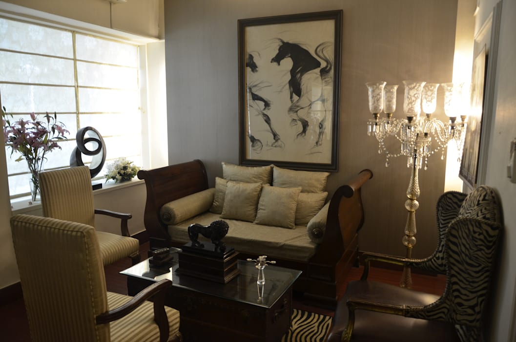 private residences: classic Living room by VISIONS