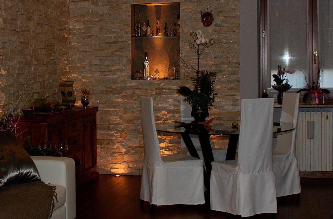 Progetto soggiorno: Soggiorno in stile in stile Moderno di STEFANIA ARREDA
