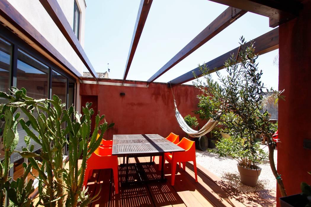 Jardines de estilo moderno de Bureau69 d'Architettura Moderno