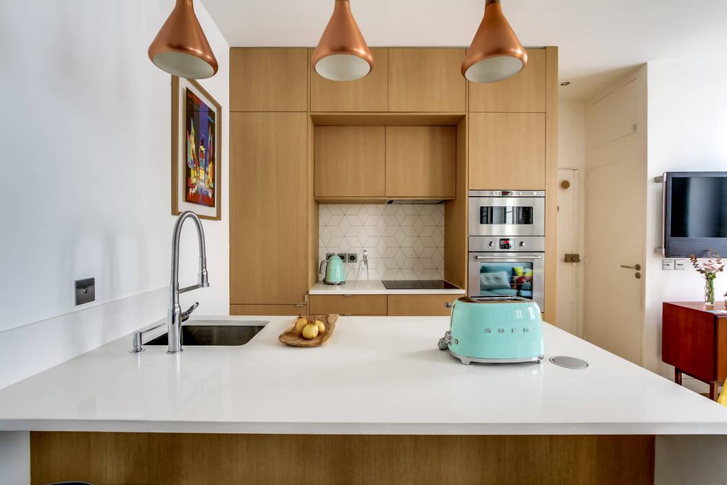 modern  by Transition Interior Design , Modern Quartz