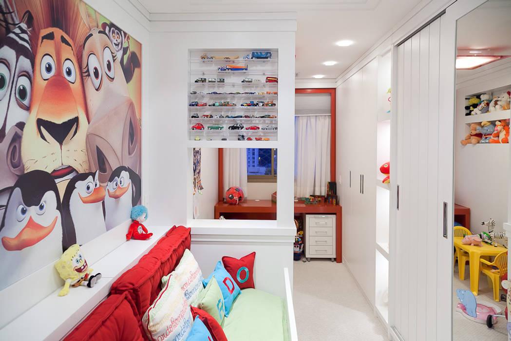 Nursery/kid's room by Ana Levy   Arquitetura + Interiores , Modern