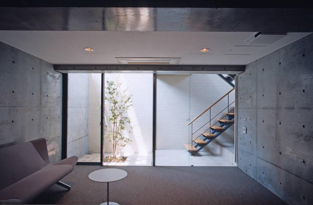 南郷町の家: 株式会社  小林恒建築研究所が手掛けた和室です。,モダン
