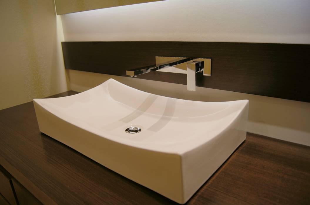 Detalle Baño de Social. : Baños de estilo  por MARECO DESIGN S.A.S,