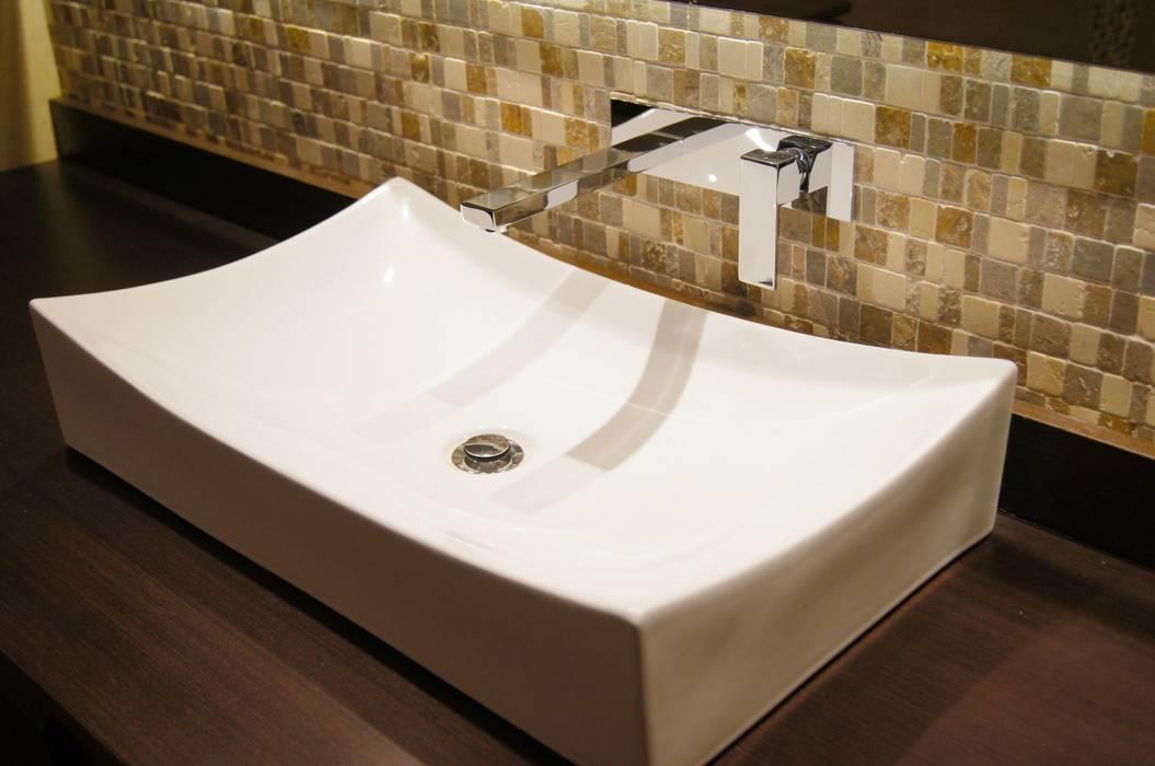 Detalle Baño de Huéspedes. : Baños de estilo  por MARECO DESIGN S.A.S