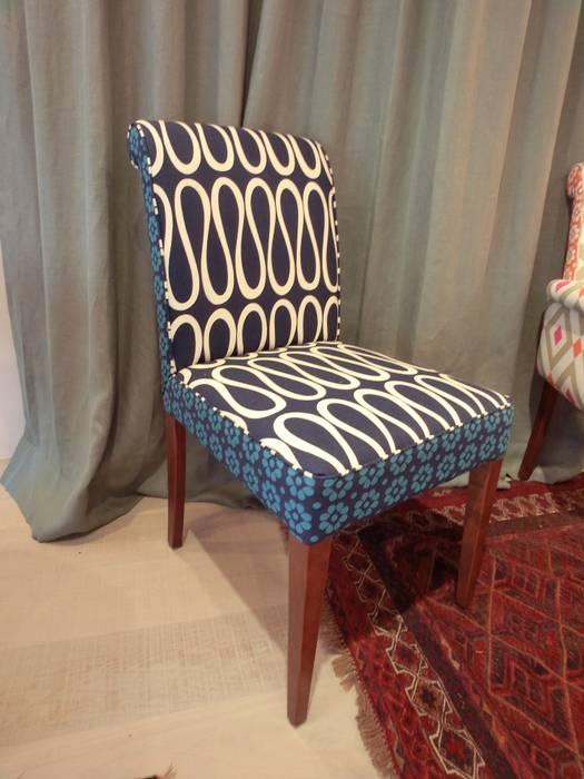 Boris Chair: (株)工房スタンリーズが手掛けた折衷的なです。,オリジナル 綿 赤色