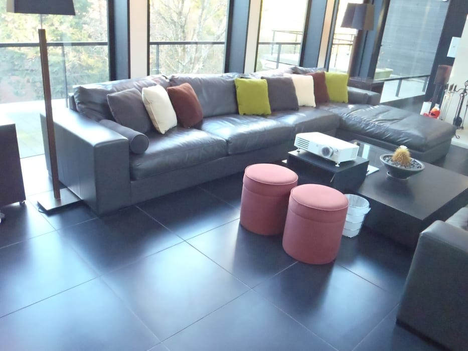 Nancy Couch set (株)工房スタンリーズ リビングルームソファー&アームチェア 革 灰色