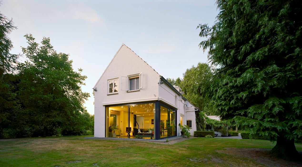 verbouwing woonhuis particlier:  Huizen door JMW architecten, Modern Glas