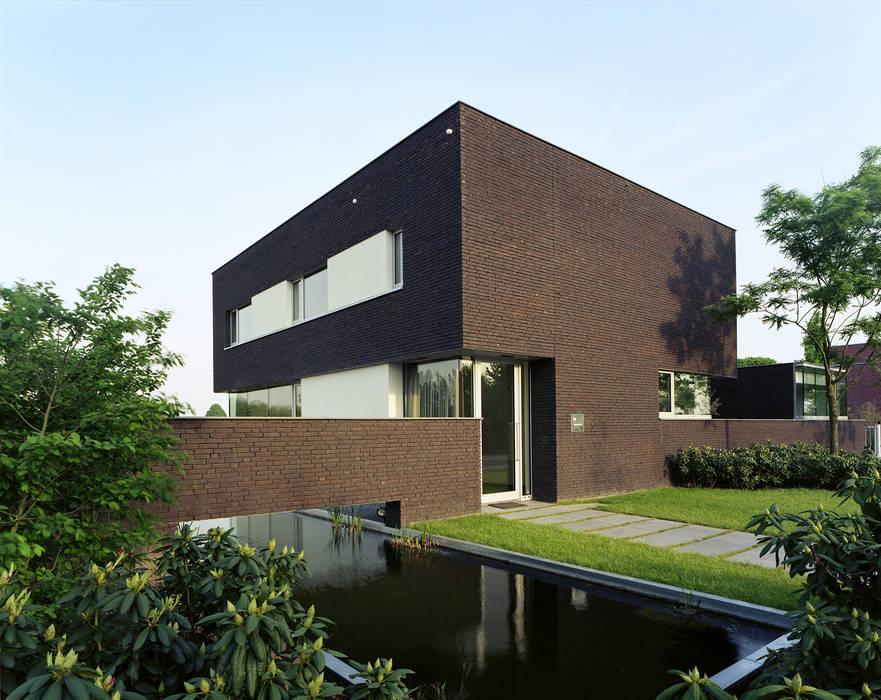 現代房屋設計點子、靈感 & 圖片 根據 Engelman Architecten BV 現代風
