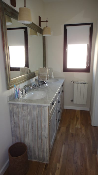 Antebaño: Baños de estilo  por 2424 ARQUITECTURA,Moderno Madera Acabado en madera