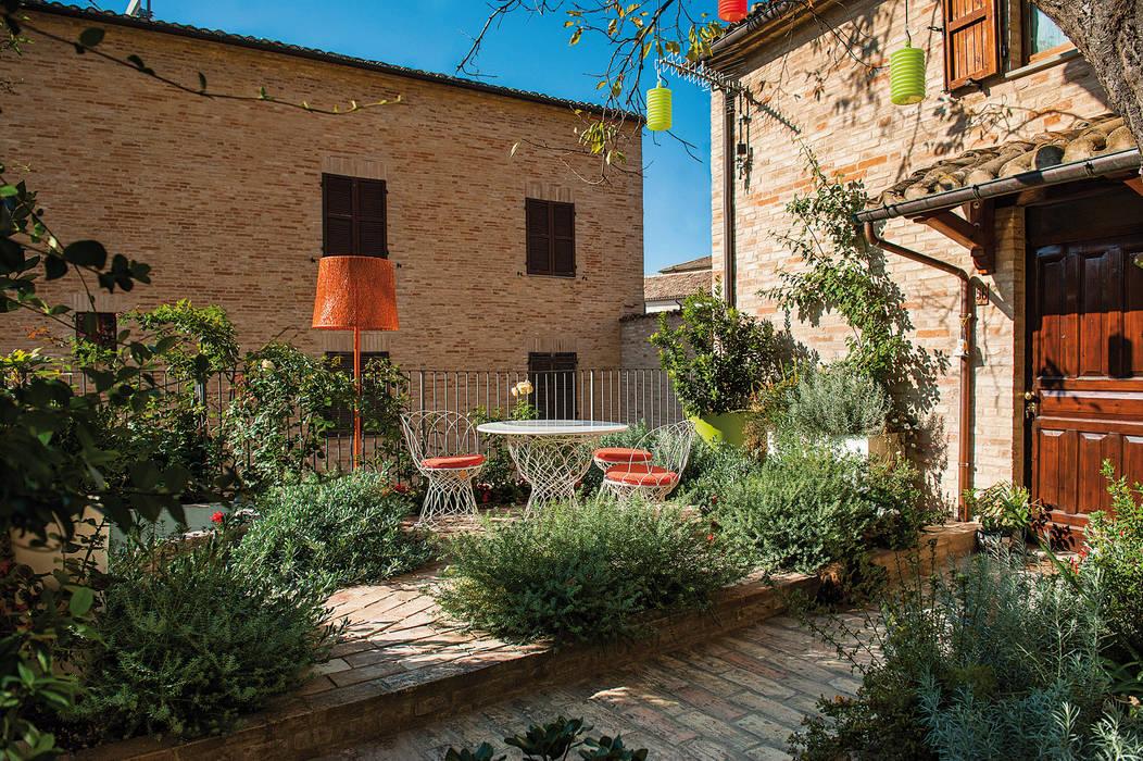 Vườn phong cách hiện đại bởi Giardini Giordani Hiện đại Kim loại