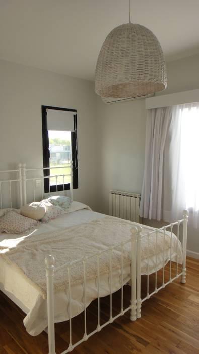 Dormitorio: Dormitorios de estilo  por 2424 ARQUITECTURA