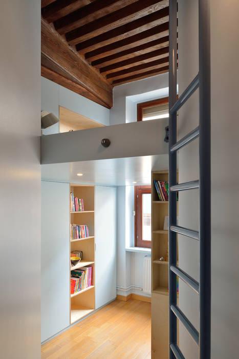 Dormitorios infantiles de estilo minimalista de Tymeno Minimalista