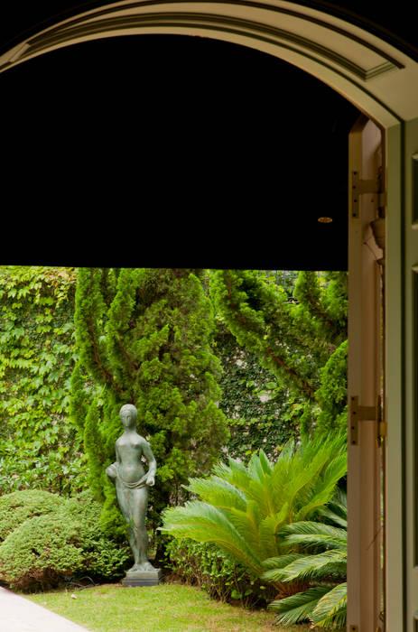 Allan Malouf Arquitetura e Interiores Classic style garden