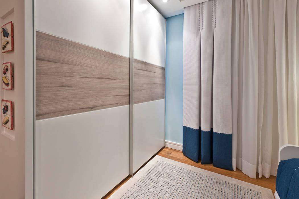 Modern nursery/kids room by Heller Arquitetura e Interiores Modern
