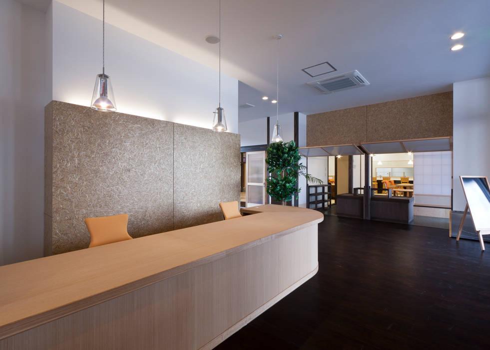 ホール アジア風医療機関 の 宮田建築設計室 和風