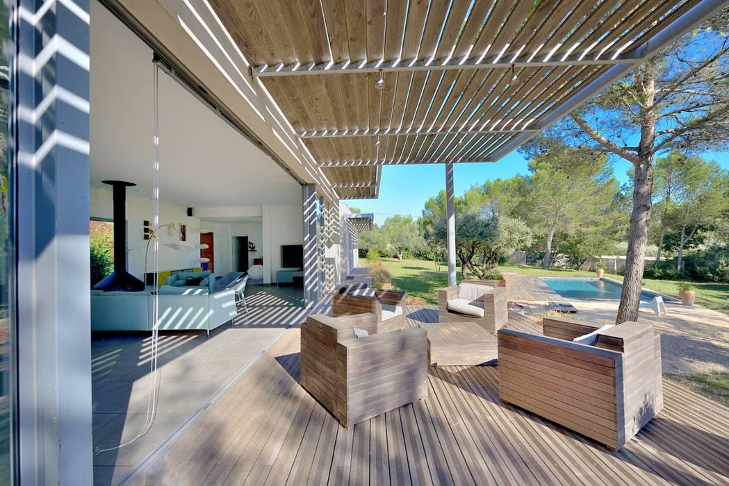 TERRASSE SUD Balcon, Veranda & Terrasse modernes par JOSE MARCOS ARCHITECTEUR Moderne Bois Effet bois