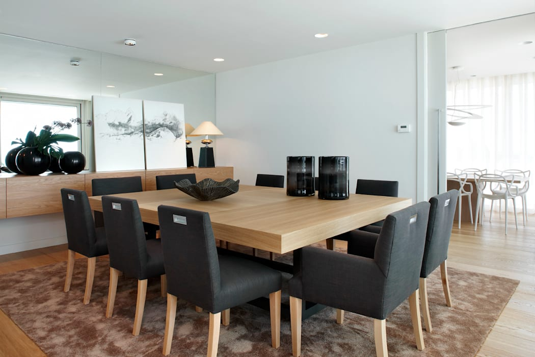Dining room by Molins Design,