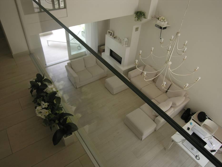 Wohnzimmer von Studio di Architettura e Ingegneria Brasina-Rubino