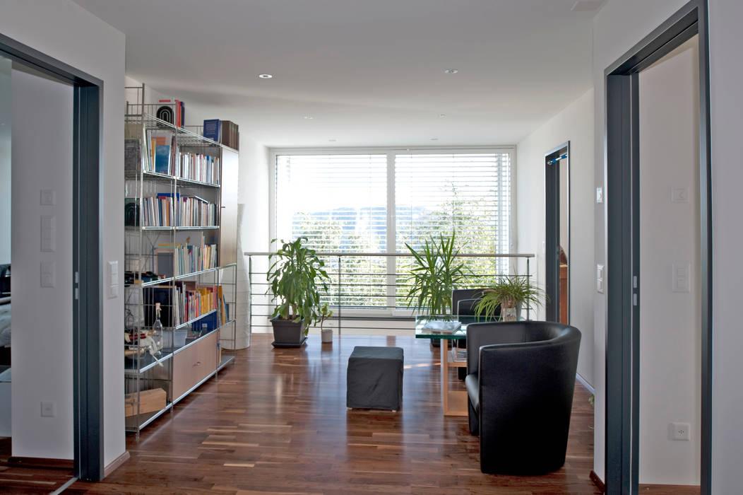 Estudios y despachos de estilo  de Hauptvogel & Schütt Planungsgruppe, Moderno