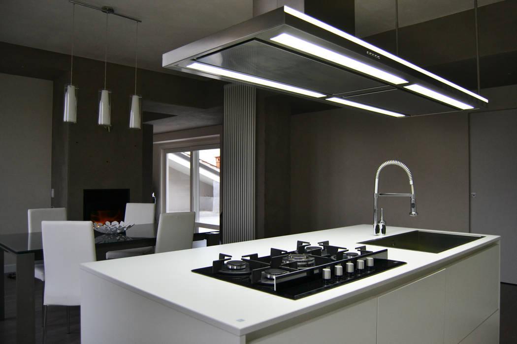 Dapur oleh LTAB/LAB STUDIO, Modern