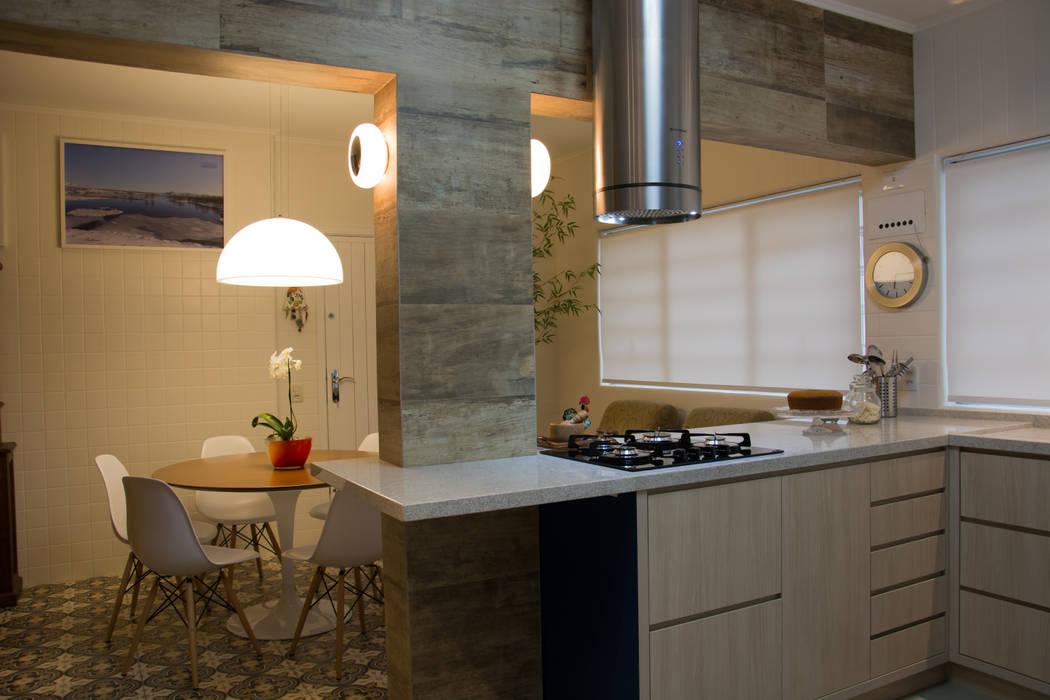 Cozinha Integrada: Cozinhas  por arquiteta aclaene de mello,