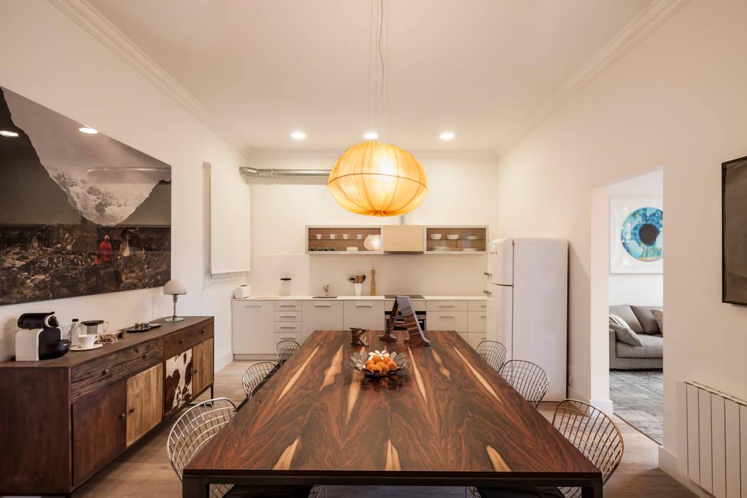 Alex Gasca, architects. Minimalist dining room